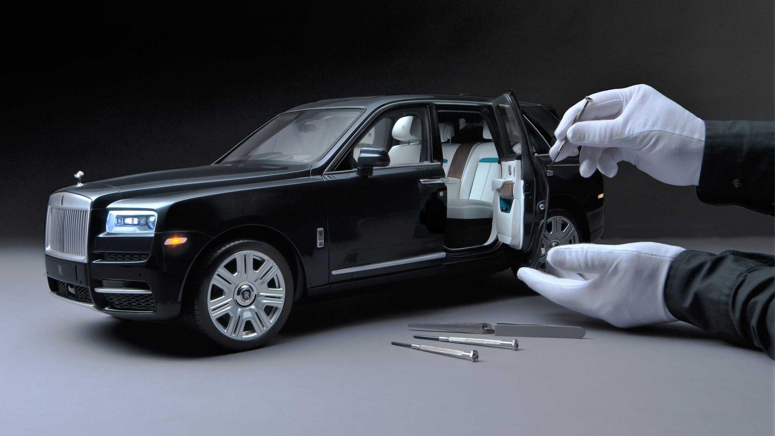 Rolls Royce Cullinan modelo a escala